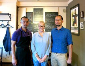 """""""Jännitin vähän kieltä, jännitin taitojani, ja jännitin avokeittiön asiakkaitakin. Ihan turhaan! Kahden miehen bistroravintola Dialogue tuntui kotoisalta heti ensimmäisestä päivästä lähtien."""" Lue lisää Minnan kokemuksista Tokiossa: http://kokiksi.blogspot.jp/2014/10/bistro-dialogue.html"""